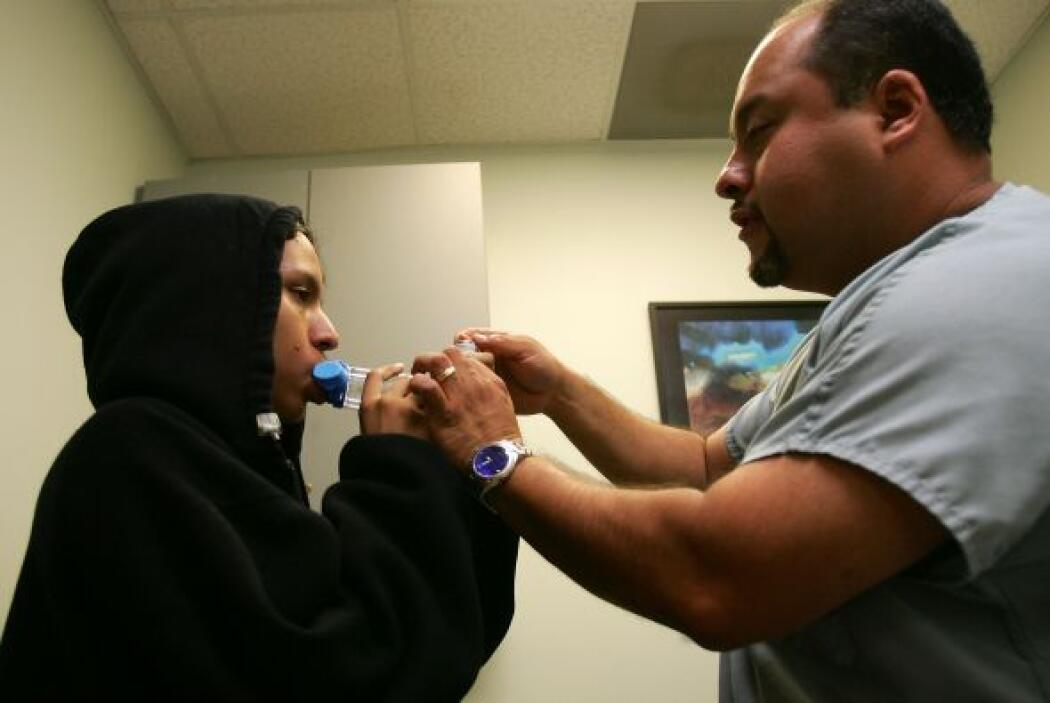 Debes asegurarte  de mantener tu asma monitoreado con tu médico y ajusta...
