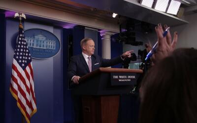 El nuevo jefe de prensa de la Casa Blanca, Sean Spicer, ofreció u...