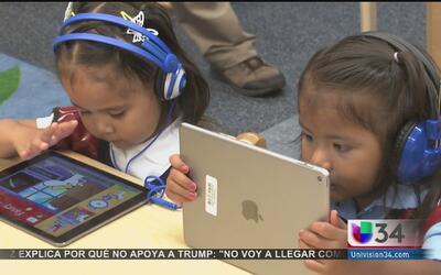 Aprovechan la tecnología para enseñarle a leer a niños