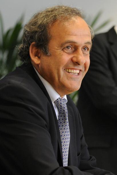 El francés Michel Platini, Vicepresidente de FIFA y Presidente de...
