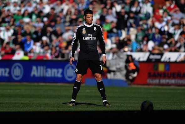 Cristiano Ronaldo no aparecía mucho en el terreno de juego de no...