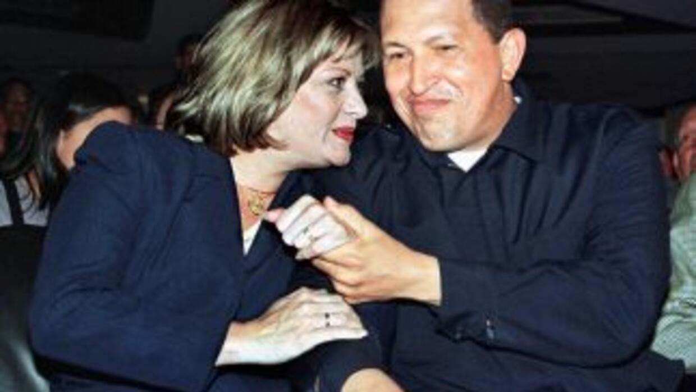 El presidente Hugo Chávez junto a su ex esposa Marisabel. Fotografía tom...