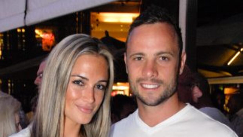 Un experto balístico dijo que la novia de Oscar Pistorius primero fue he...