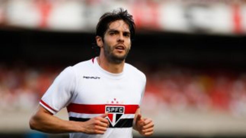 El brasileño se quedó a centímetros de anotar un golazo con el Sao Paulo.