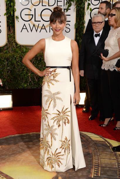 Muy acertado nos pareció el vestido de Rashida Jones. El detalle...