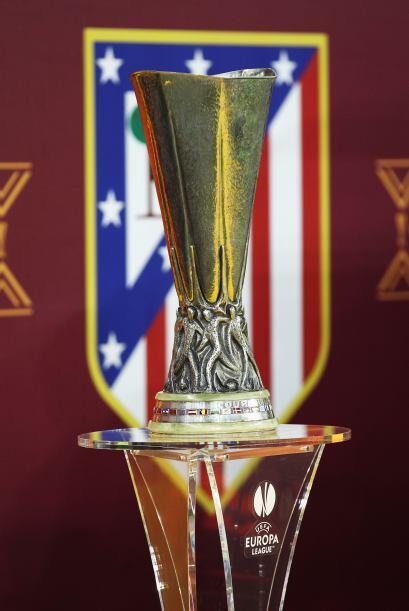La Copa esperaba a su nuevo campeón que parecía ser el equipo de Simeone.