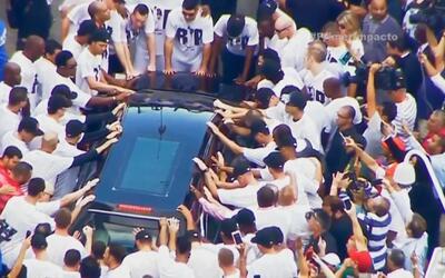 En estadio de 'Los Marlins' lloran la muerte del pitcher que conquistó a...