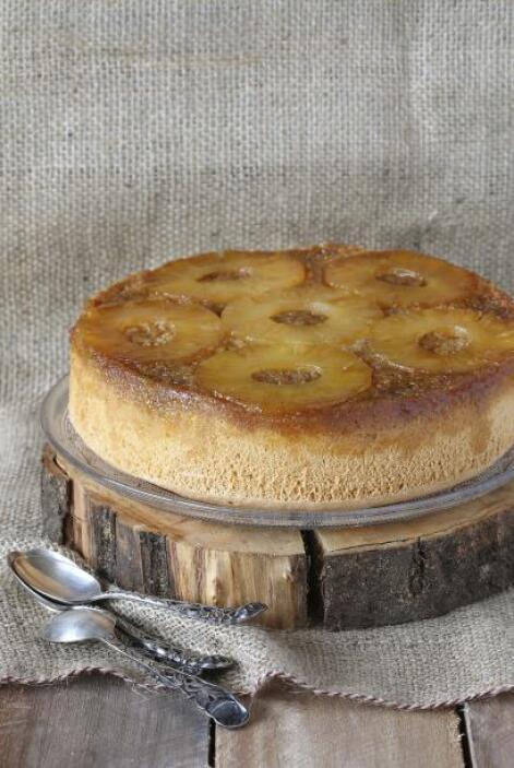 Un pastel de piña, delicioso, fácil y sencillo de preparar.