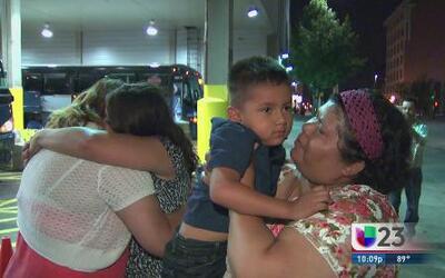 Madre e hijan reunidas tras 14 años separadas