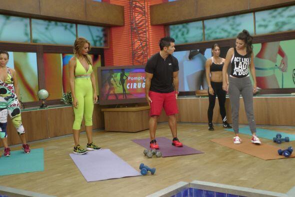 El entrenador Roberto Soto nos enseñó algunos ejercicios para tener unos...
