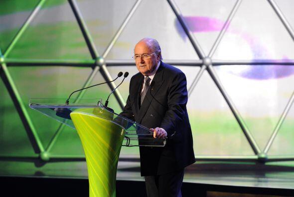 El encargado de abrir la ceremonia fue Joseph Blatter, presidente de la...