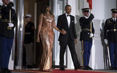 El espectacular vestido de Michelle Obama durante su última Cena de Esta...