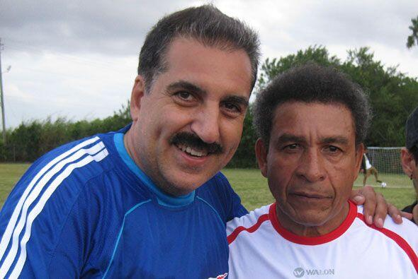 No pudo faltar la leyenda peruana, Héctor Chumpitaz.
