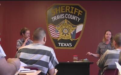 Programa piloto busca ayudar a los prisioneros del condado de Travis con...