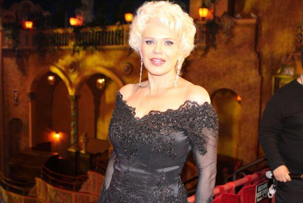 La bella Chari fue la presentadora del evento junto a Ernesto Laguardia.