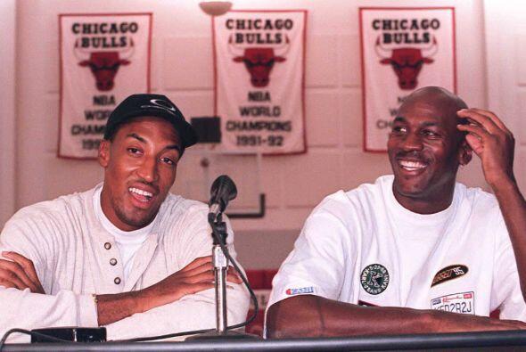 Años más tarde terminaría jugando al lado de figuras como Michael Jordan...