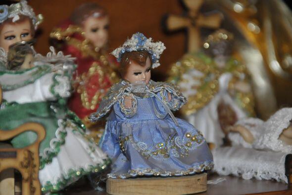 Revive en fotos los orígenes de esta tradición de vestir al Niño Jesús e...