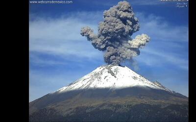 Se registra erupción del volcán Popocatépetl