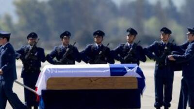 El presidente chileno Sebastián Piñera decretó dos días de duelo naciona...