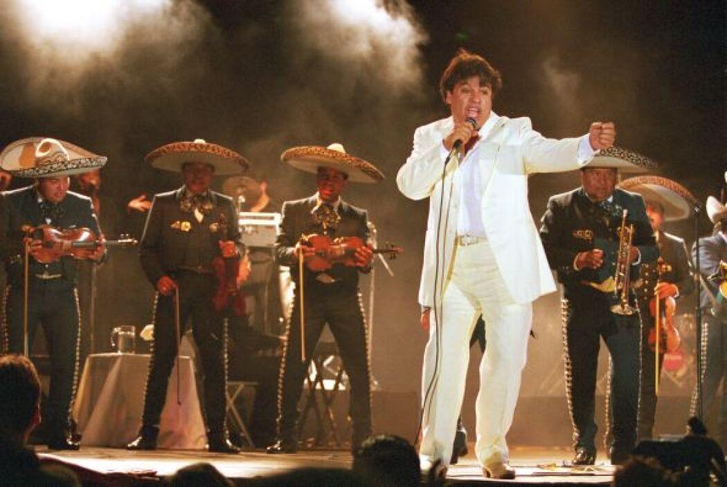 Juan Gabriel ya está más que listo para presentarse en los Premios TVyNo...