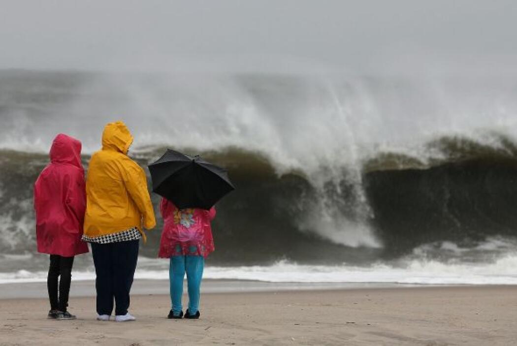 Imágenes de Nueva Jersey y Atlantic City antes del arribo del Huracán Sa...