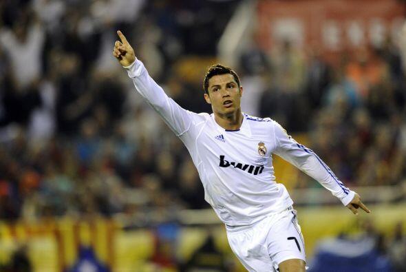 Cristiano Ronaldo se estimula en los clásicos. Fue precisamente e...