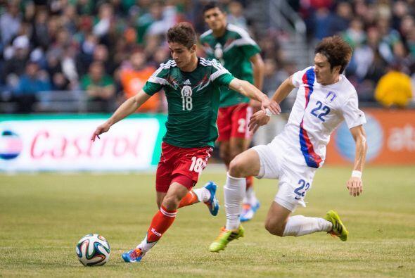Isaac Brizuela estuvo en el medio campo del Tricolor con funciones ofens...