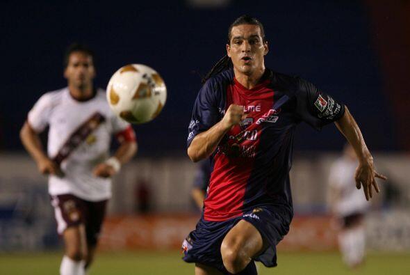 Ulises Mendivil: Tras un paso exitoso por Pachuca, Mendivil tuvo poca fo...