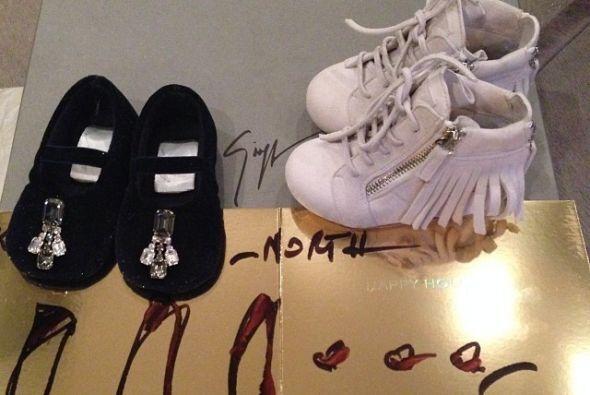 Su armario será la envidia de todas las chicas. Miren estos zapatos de G...
