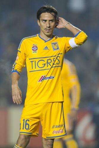 Lucas Lobos  País de Origen: Argentina  Equipo: Tigres UANL  Lucas se ha...
