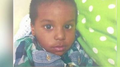Niño de 2 años hallado solo en Sur Los Ángeles