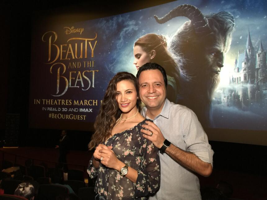 Omar y Argelia se fueron a ver 'Beauty and the Beast' antes que nadie Fi...