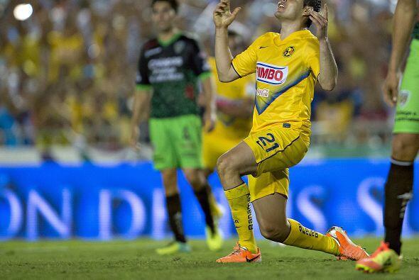 Pablo Aguilar.- El defensa central del América ya dejó en...