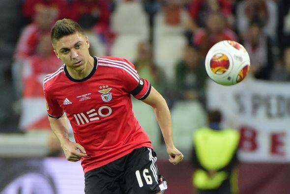 Simeone decidió traer en su lugar a Guilherme Siqueira para hacer...