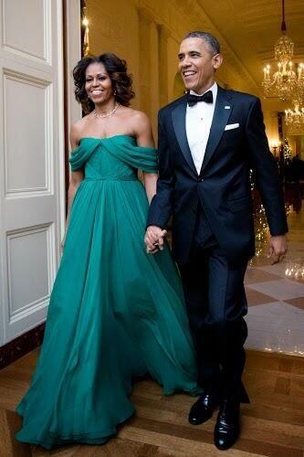 ¿Recuerdan la vez que nos deslumbró con este fabuloso vestido verde?  Lo...
