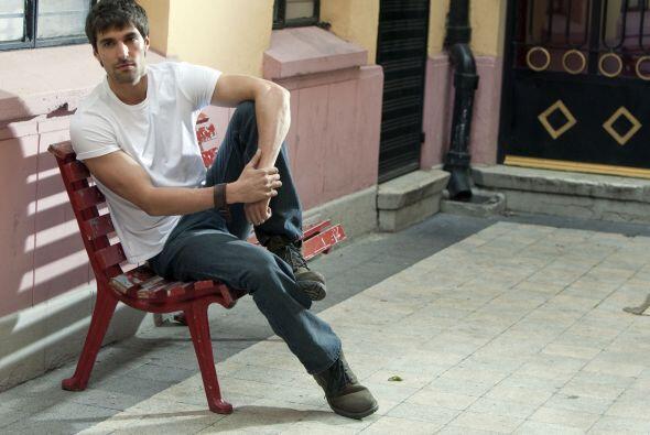 "Osvaldo de León participó en ""Juro Que Te Amo"" y ""Niña De Mi Corazón"". T..."
