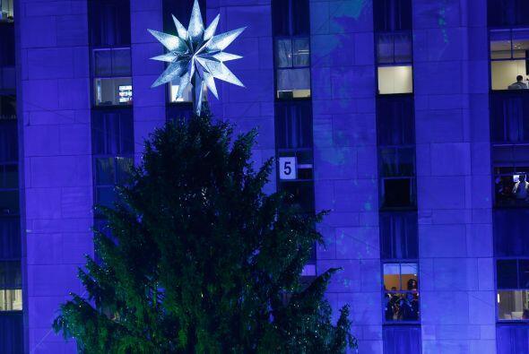 La punta del árbol, la estrella, es el gran símbolo navide...