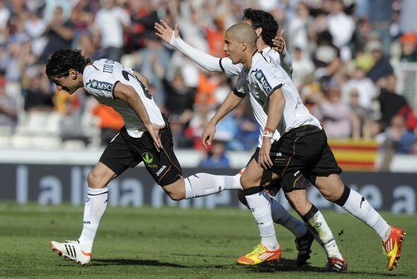 Los valencianos se fueron adelante en el partido con gol del argentino A...