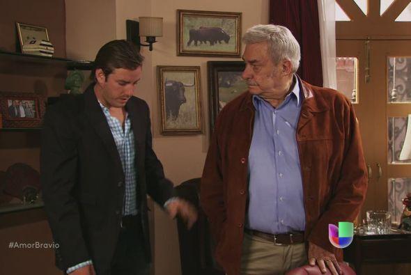 Yago le dice a su padre que deben pedir la mano de Natalia lo antes posi...