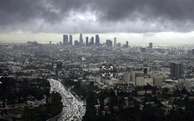 Jueves de bajas temperaturas y cielo nublado en Los Ángeles