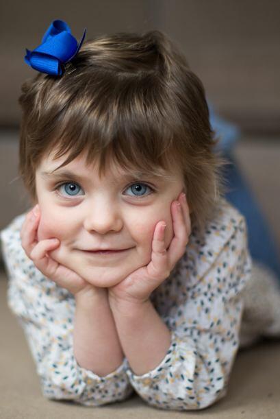 Esta pequeña niña de Sutton Coldfield en Reino Unido ha sobrevivido a un...