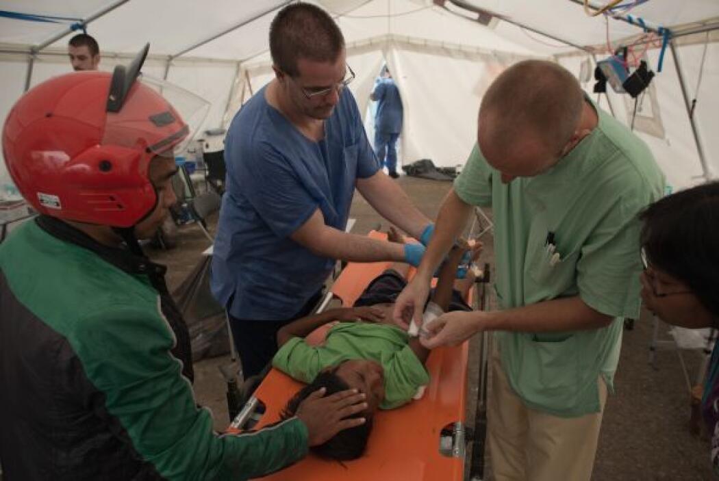 Los profesionales médicos de MSF están tratando sobre todo casos de heri...