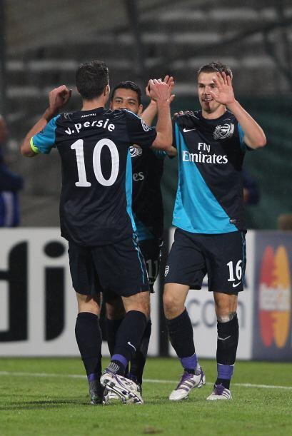 El jugador de 21 años le marcó al conjunto francés, lo festejó con sus c...