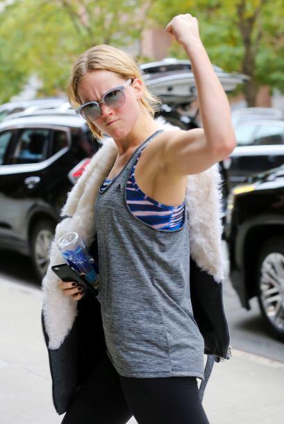 ¿Débil? Para nada, Jennifer Lawrence nos demostró q...