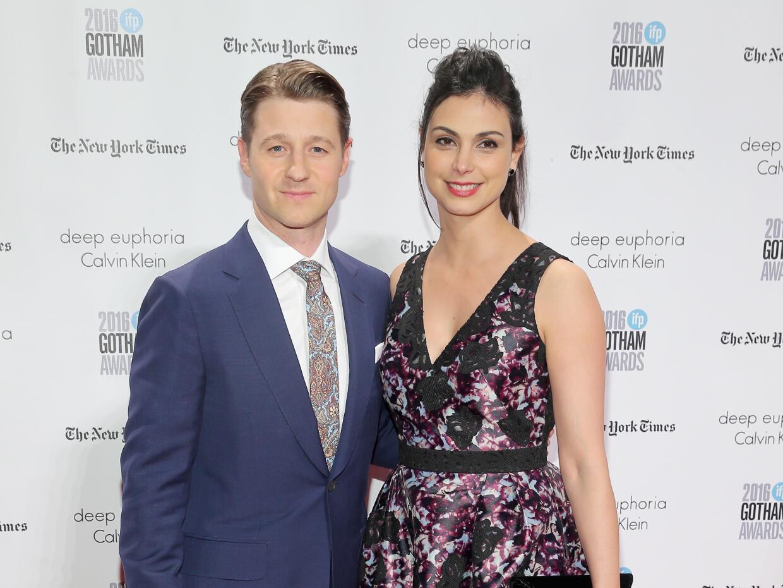 Morena Baccarin y Benjamin McKenzie