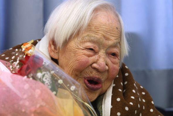 Esta adorable abuelita nació el 1898 y en su aniversario 115 fue...