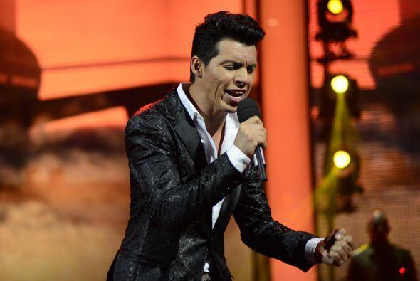 """Mario Pacheco cantó """"Lo intentamos"""" esa noche."""