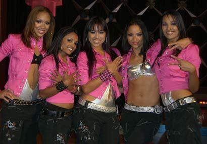 """""""Fly Khicks"""". Así se llaman estas 5 jovencitas que son las nuevas estrel..."""