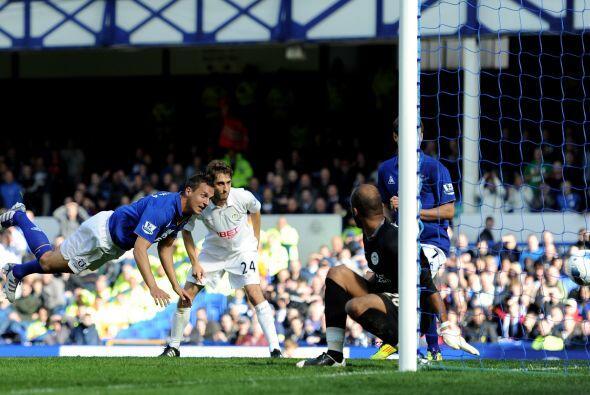 Pero en la segunda mitad, el Everton se despertó y liquidó el partido co...