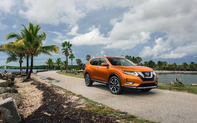 Auto Shows 2017_Nissan_Rogue_SL_07.jpg